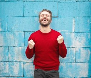 När är man som mest entusiastisk för jobbet och arbetsgivaren? Är det inte tiden mellan kontrakt och första arbetsdagen? När huvudet redan lämnat gamla jobbet men ännu inte mött de mindre spännande vardagsuppgifterna på det nya. Ett gyllene tillstånd att fånga för nya arbetsgivare! Men hur många jobbar med #preboarding egentligen? Hur många rekryterande bolag tar till vara på den entusiasmen hos inkommande talanger? Gör ni? Hur i så fall? Introduktion? Processflöde? Eller båda? Och om ni inte gör det - varför inte?